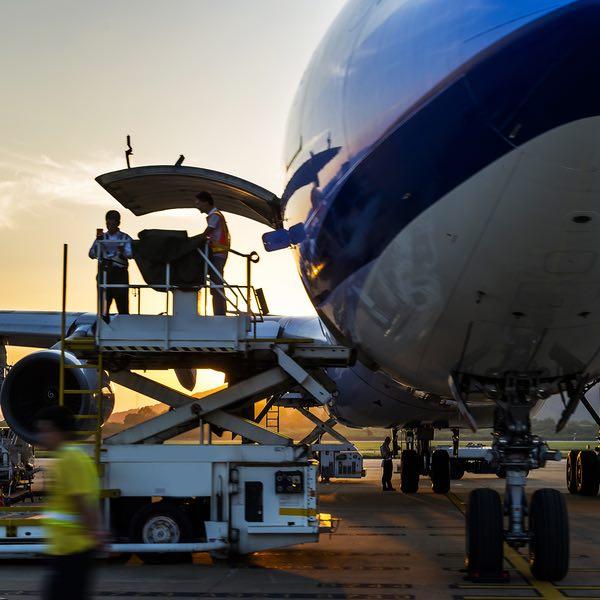 square-loading-plane